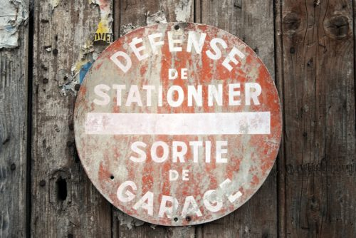 saint fortunat defense de stationner