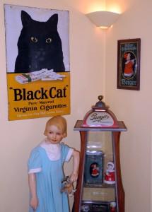 Statt der schwarzen Katze würde sich nun hier das schwarze Emailleschild von Berger gut machen, oder?